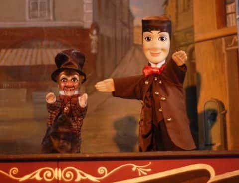 montsouris park paris puppet show
