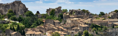 picture of perched village of provence - immersion in french