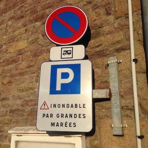 high tide parking danger france