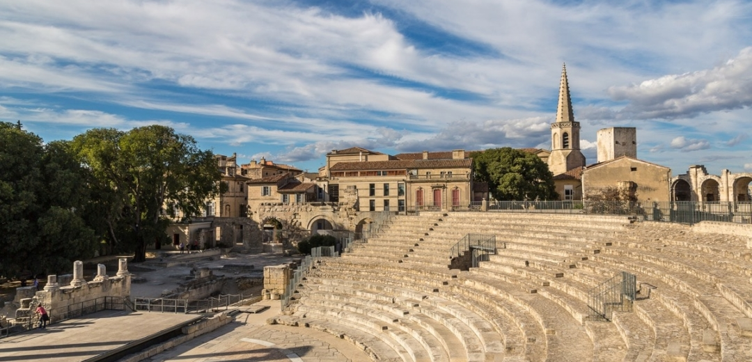 learn french arles provence