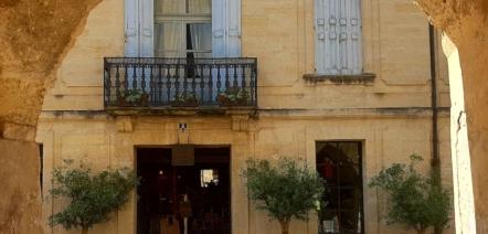 uzes french english bilingual story