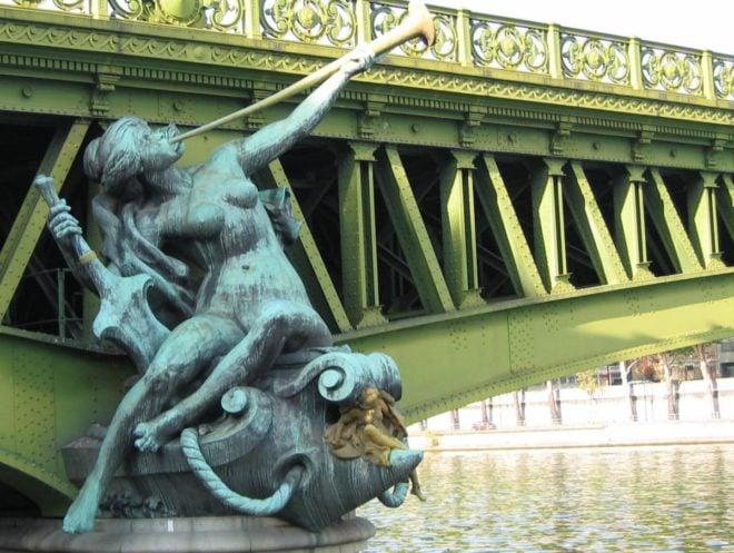 Pont mirabeau poem reading audio