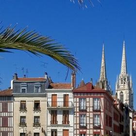 Discover Bayonne City – French Story + Translation