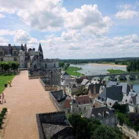 Stroll in the French Loire's Valley: The village of Amboise