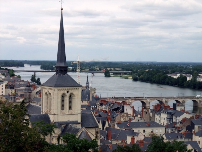 french english bilingual story loire valley saumur france