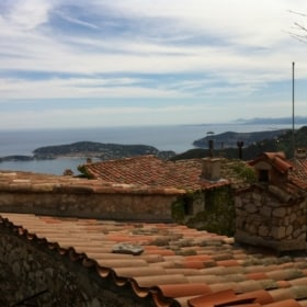 Le village D'Eze – French Story + Translation + Video