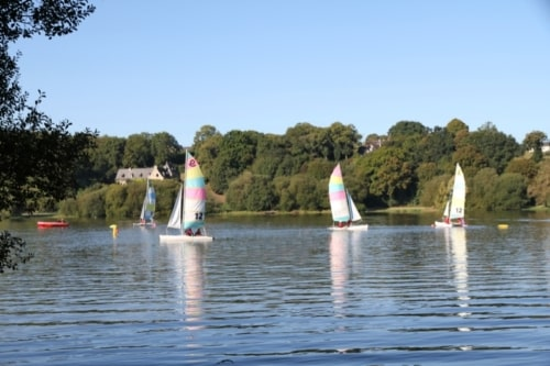 7A Brittany Jugon les Lacs sailing lessons Roland Reiter