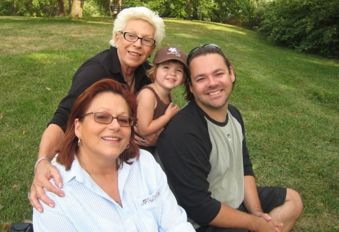 4 generations: my husband Olivier, our daughter Leyla, Olivier's mom Cristine and grandmother Geneviève ❤️