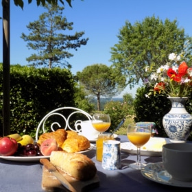 breakfast - french immersion in france at teacher's