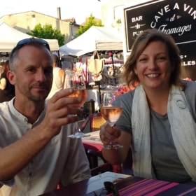 Night Markets in France – An Easy Bilingual Story
