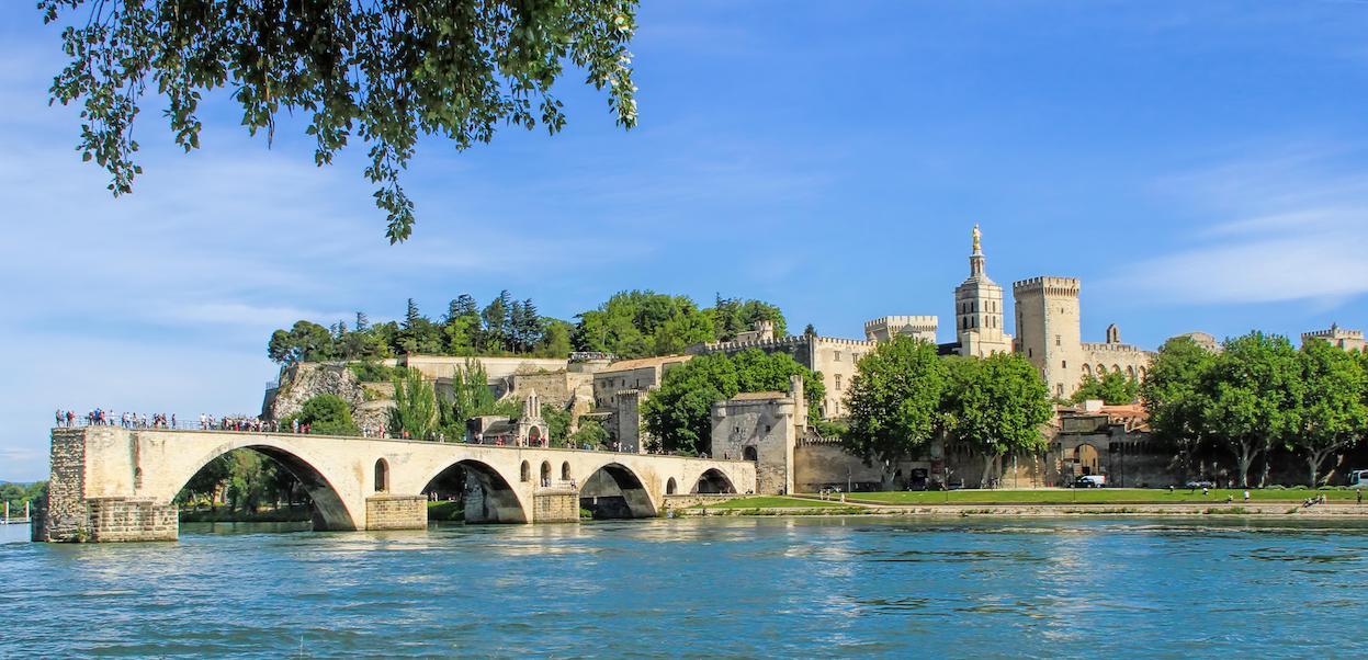 Avignon immersion homestay france