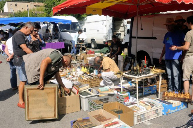 people shopping for antics in france