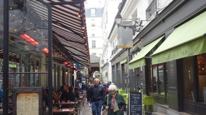 Paris' Saint-Germain-des-Près French English Bilingual Story