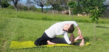 30 yoga poses in french english and sanskrit  bilingual