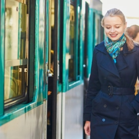10 Tips to Ride the Paris Subway Like a Parisian