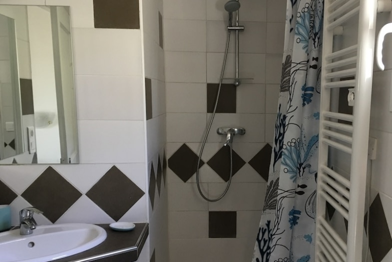 private bathroom aix en provence immersion french