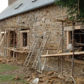 Renovating A House in France – French English Bilingual Story
