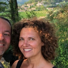 Camille & Olivier Se Promènent En Provence – Videos!