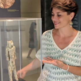 Prehistoric France – French Story + English Translation