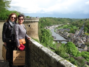 Helen & Helena learn french residential immersion france