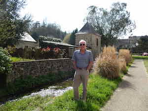 Tony french residential immersion france bretagne