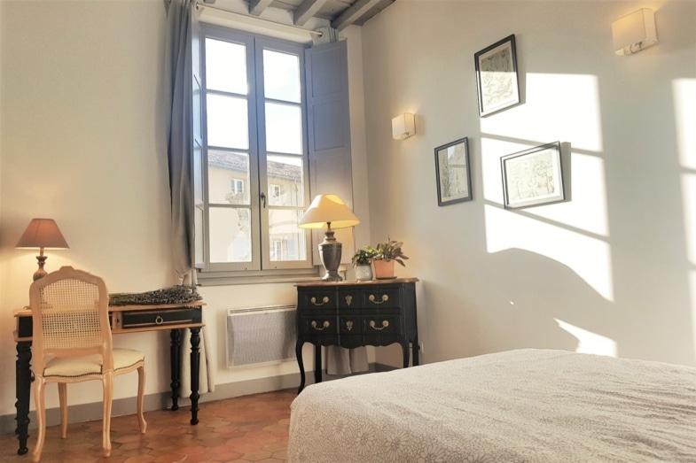 french immersion france avignon bedroom 2