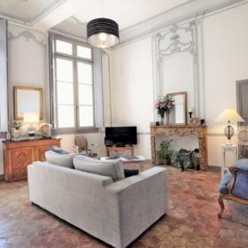 french immersion france avignon livingroom