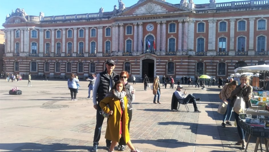 toulouse bilingual french english story